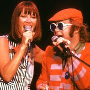 Elton John e Kiki Dee - Don't go breaking my heart 02